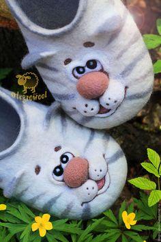 """Обувь ручной работы. Ярмарка Мастеров - ручная работа. Купить Валяные тапочки """" Кошки близняшки"""". Handmade. Белый"""