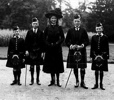 (lt. to rt.) Prince George (Duke of Kent), Prince Albert (King George VI), Princess Mary (Princess Royal), Prince Edward (King Edward VIII) and Prince Henry (Duke of Gloucester) in Highland dress on the grounds of Balmoral Castle, 1910