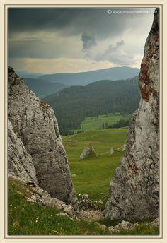 36_rarau_mountains_bucovina_slatioara_ladys_rocks.jpg 823×1.200 pixels