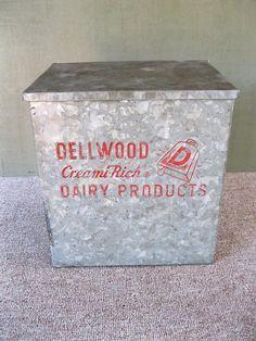 Antique Milk Porch Box DELLWOOD DAIRY Dairies Vintage Galvanized Tin, Yonkers NY