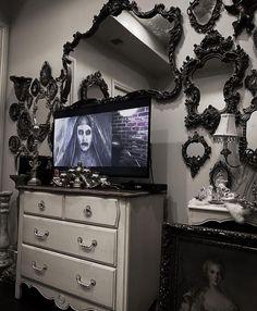 Goth Bedroom, Fairy Bedroom, Bedroom Decor, Bedroom Ideas, Victorian Home Decor, Goth Home Decor, Gothic House, Dream Decor, Horror Room
