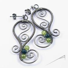 Silver swirls earrings - wire wrapped gemstone jewelry. Ooooo those are pretty ;)