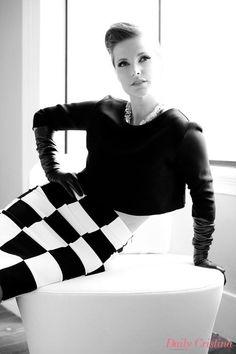 Zwart jasje met zwart-wit geblokte rok