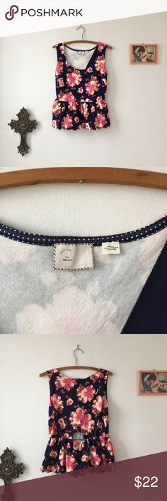 9-H15 StCl Open Back Top Very very beautiful Top from Anthropologie.  Worn to the office a couple times in near new condition. Anthropologie Tops