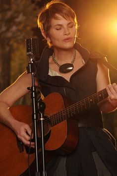 Shawn Colvin, love her music and her hair