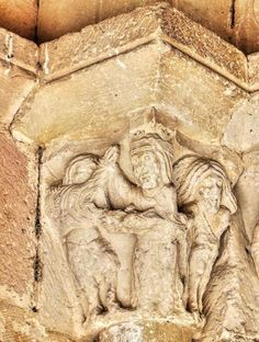 Capitel románico, Beleña de Sorbe, Guadalajara - Representación de José y la mujer de Putifar, también podría tratarse de la Expulsión del Paraíso