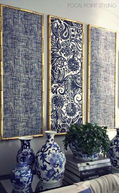 藍染めの布地がはめ込まれたフレームを配置したウォールアート。古き好き日本を感じさせるアイデアです。