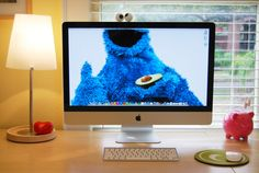 Check out Appletonian Jennifer's new desktop makeover! (tried this one, check.)