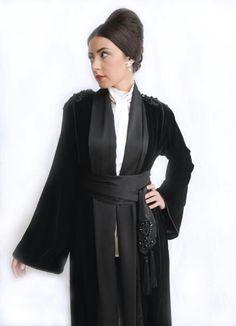 Abaya, bisht, kaftan, caftan, jalabiya, Muslim Dress, glamourous middle eastern attire, takchita