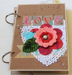 """Mini book """"LOVE"""" by Karine Cazenave-Tapie"""