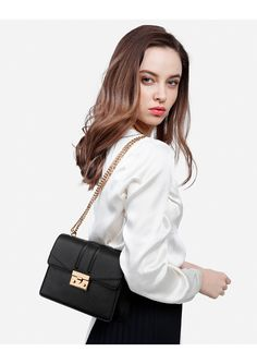 TAS WANITA CHARLES AND KEITH SHOULDER OF CHAIN ORIGINAL Charles Keith Bag, Ootd, Backpacks, Shoulder Bag, Purses, Chain, The Originals, Outfits, Fashion