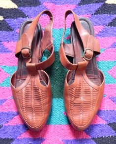 90s Womens Brown Leather Woven Sandals by hellzbellzvintage, $25.00