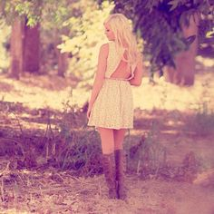Sneak peek from our August lookbook! Stay tuned xoxo #model #shoot #fashion #outdoors