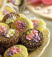 love the sprinkles and the flowers together, I will have to try this.