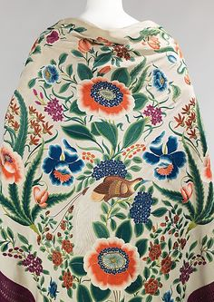 This foldover shawl is a tour de force of Chinese embroidery. The orientation of the needlework indicates that it was to be worn folded into a triangle; each side incorporates a different color palette Chinese Embroidery, Folk Embroidery, Silk Shawl, Pashmina Shawl, Costume Collection, China Art, Metropolitan Museum, Chinoiserie, Textile Design