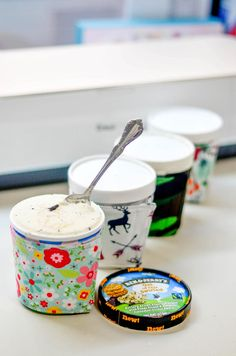 So how many times have you grabbed a pint of ice cream out of your freezer and only ate half of the carton? Dont lie we have all done it. Cute Sewing Projects, Sewing Hacks, Sewing Crafts, Sewing Ideas, Sewing Tips, Fun Projects, Fabric Crafts, Pint Of Ice Cream, Diy Ice Cream