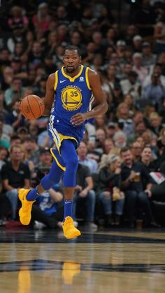 Kevin Durant of the Golden State Warriors handles the ball against the San Antonio Spurs on November 2 2017 at the ATT Center in San Antonio Texas. Basketball Quotes, Basketball Pictures, Basketball Players, Women's Basketball, Russell Wilson, Bill Russell, Kevin Durant Quotes, Aaron Rodgers, Neymar Jr