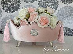 Kadife kutu.. Fiyat bilgisi ve sipariş için byzerooo@hotmail.com adresine mail atabilir veya 05357086262 numaradan arayarak ulaşabilirsiniz.