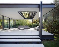 Image 7 of 24 from gallery of CTN House / Brengues Le Pavec architectes. Photograph by Marie-Caroline Lucat Farnsworth House, Pergola Designs, Design Patio, House Extensions, My Dream Home, Exterior Design, Architecture Design, Outdoor Living, New Homes