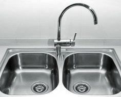 Vous avez du mal à faire briller votre évier ? Cliquez sur l'image pour découvrir comment régler ce problème ! #astuce
