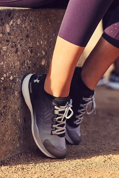 The UA Charged Push. Conquer any workout with total comfort and fit. This training shoe offers Charged Cushioning® with less bulk and improved flexibility.
