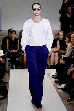 Jil Sander Spring 2011 Ready-to-Wear Fashion Show - Iris Egbers