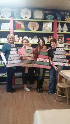 Wooden christmas tree / pallet christmas tree using scrapbook paper @yourefiredox