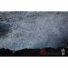 Mare, spruzzi di vitalitá! Sardegna. Shop online enedina.it Sea, Painting, Painting Art, Ocean, Paintings, Painted Canvas