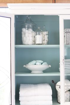 I spray painted the interior in Rustoleum Robin's Egg Blue spray paint for a pretty contrast. Diy Furniture Renovation, Furniture Repair, Diy Furniture Projects, Refurbished Furniture, Paint Furniture, Repurposed Furniture, Bathroom Furniture, Shabby Chic Furniture, Furniture Makeover