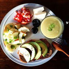 Today's breakfast. Sweet potato Soup さつまいものポタージュ、パンにはアボカドとベーコン - @keiyamazaki- #webstagram