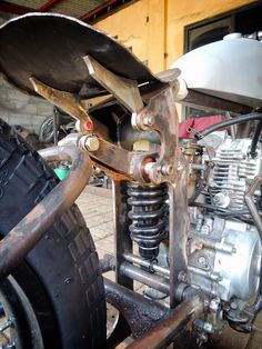 dariztdesign: On Going Attempt Moped Bike, Bicycle Rims, Trike Motorcycle, Cafe Bike, Motorized Bicycle, Custom Cafe Racer, Custom Bobber, Custom Choppers, Custom Motorcycles