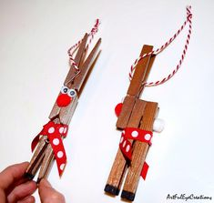 Reindeer Clothespin, Wooden Clothespin Crafts, Reindeer Craft, Reindeer Ornaments, Christmas Ornament Crafts, Christmas Crafts For Kids, Holiday Crafts, Popsicle Stick Christmas Crafts, Christmas Tables