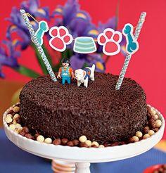 Vai fazer uma festa para os pets ou de inspiração canina? O bolo não pode ficar fora da decoração