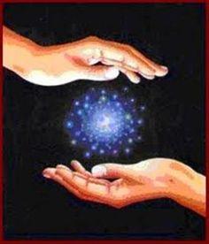 ´´¯`•.¸¸. ི♥ྀ.  En la espiritualidad se da mucha importancia al Dar, más q en recibir, pero para que pueda haber un buen equilibrio energético entre nosotros y los demás es muy importante también recibir. La energía fluye a través de nosotros, nos vaciamos poquito a poco al darla y nos llenamos al recibirla. Todo es un compartir de energía.