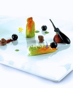 Piatti d'Autore. Fiore di zucca con patate e acciughe, pomodoro confit ed olive dolci pugliesi
