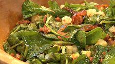 Warm Chorizo, Spinach and Jicama Salad Chorizo Salad, My Favorite Food, Favorite Recipes, Slaw Dressing, Rick Bayless, Greens Recipe, Spinach Salad, Soup And Salad, Mexican Food Recipes