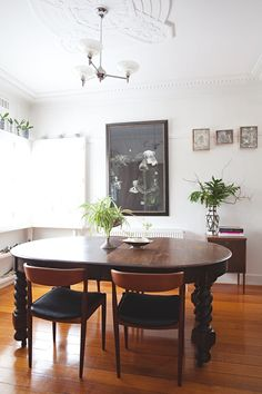 House Tour: An Art Deco, Art-Filled Australian Home | Apartment Therapy