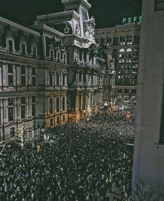 Philadelphia is going crazy!!! THANK YOU EAGLES THE WORLD CHAMPIONS!! And this isn't even the parade!! Just wait till the world gets to see how WE do it!!!