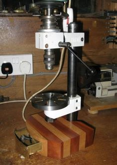 A Unimat 3 mill/drill post and headstock used to make a very small pillar drill Fret Saw, Drilling Machine, Tool Supply, Industrial Machine, Drilling Holes, Drill Press, Homemade Tools, Wood Dust, Metal Crafts