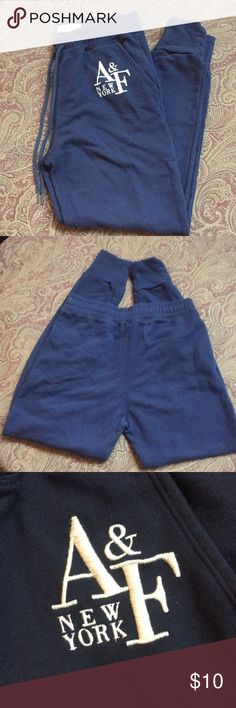 Abercrombie & Fitch Navy Joggers Size XS Abercrombie & Fitch Navy Joggers Size XS. 26 inch inseam. Abercrombie & Fitch Pants Track Pants & Joggers