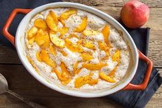 One of our all-time favorite almond flour dessert recipes; this warm, crisp, and perfectly flavored gluten-free almond flour peach cobbler dish is perfect for any summertime gathering or celebration. Sugar Free Peach Cobbler, Healthy Peach Cobbler, Peach Cobbler Cheesecake Recipe, Almond Flour Peach Cobbler Recipe, Keto Cheesecake, Almond Flour Desserts, Almond Flour Recipes, Healthy Desserts, Carbquik Recipes