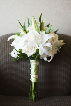 White lily and rose bouquet.....except I want the blue roses