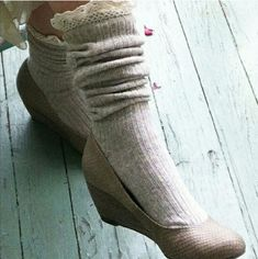 Lace Trim Knee Highs in Oatmeal Lace Trim Knee Highs in Oatmeal  Material: 80% cotton, 15% nylon, 5% spandex   Made in USA Peony and Moss Accessories Hosiery & Socks