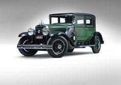 L'auto in questione è la Cadillac V8 di  Al Capone. Questa Cadillac aveva finestrini, sportelli e carrozzeria a prova di proiettili e il lunotto ribaltabile per consentire a chi stava dentro di sparare ad eventuali inseguitori.  (Reuters)