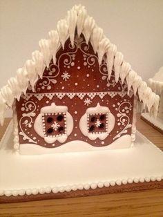 Купить или заказать пряничный домик в интернет-магазине на Ярмарке Мастеров. Пряничный домик из ароматного пряничного теста,украшенный сахарной глазурью,может стать прекрасным подарком на волшебные Новогодние и Рождественские праздники,как детям,так и взрослым! Цена указана за домик на заглавном фото. Можно сделать композицию из домика ёлки и разных фигурок.Цена за композицию варьируется от сложности ,размера и кол-ва фигурок.