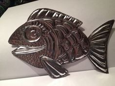 to Make a Tooled Metal Fish How to Make a Tooled Metal Fish Delaye Olson we should do this and add the alcohol ink!How to Make a Tooled Metal Fish Delaye Olson we should do this and add the alcohol ink! Metal Projects, Metal Crafts, Art Projects, Diy Crafts, 6th Grade Art, Metal Embossing, Metal Fish, Simple Line Drawings, Tin Art