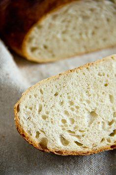 Das Brot ist schnell und einfach gemacht und das Ergebnis: Locker, elastisch und mit mildem Geschmack: Pain à l'Ancienne nach Peter Reinhart