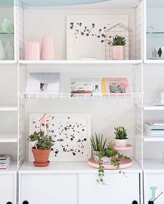 Cool Shelfie by @idainteriorlifestyle #shelfie #white #bright #greens #interior #style #home #inspiration #design #decor