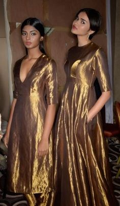 Sanjay Garg's first runway show Anarkali Dress, Pakistani Dresses, Indian Dresses, Indian Outfits, Lehenga, Indian Designer Suits, Indian Couture, Necklines For Dresses, Indian Attire