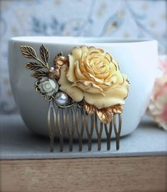 Ivory Gold Tipped Rose Flower Wedding Hair Comb.